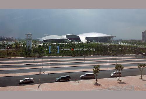 广州迎亚运,番禺区亚运城的综合体育馆……