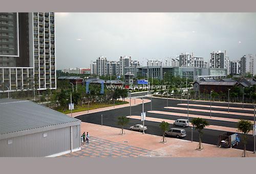 广州迎亚运,番禺区亚运城运动员村一角……